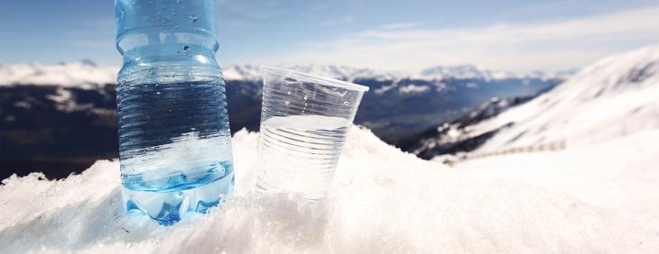 Dlaczego warto pić wodę zimą?