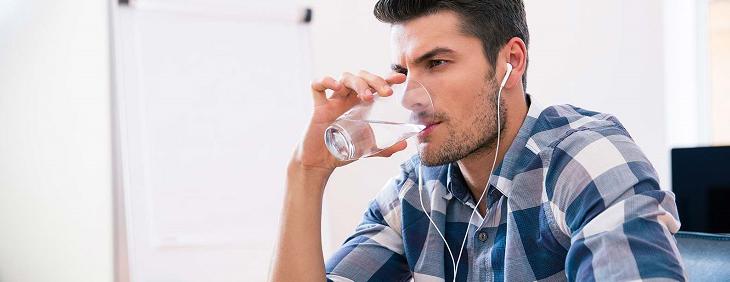 Woda dla pracowników w firmie – na co się zdecydować?