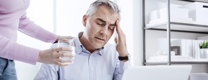 Woda jako skuteczny sposób na ból głowy