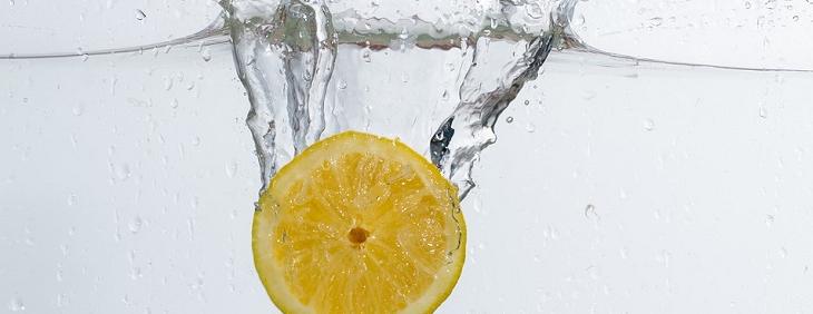 Pijesz wodę z cytryną? To świetnie!
