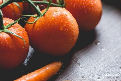 Szybki sposób na usunięcie pestycydów z warzyw i owoców