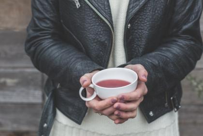 Woda czy herbata – co wybrać?
