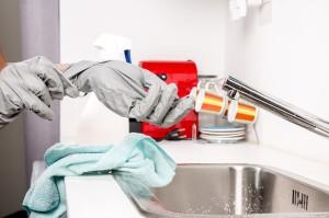 czysta umywalka