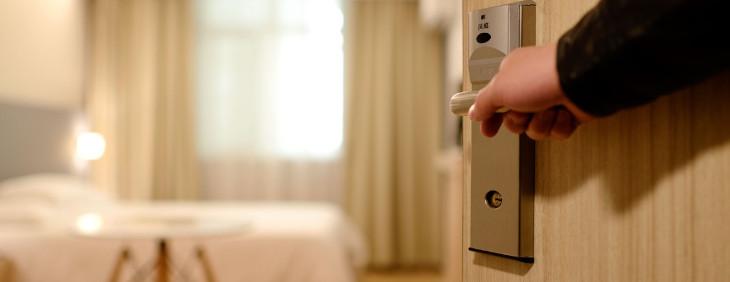 Korzyści filtrowanej wody w hotelach