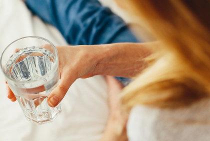 Rola wody w organizmie – fakty i mity